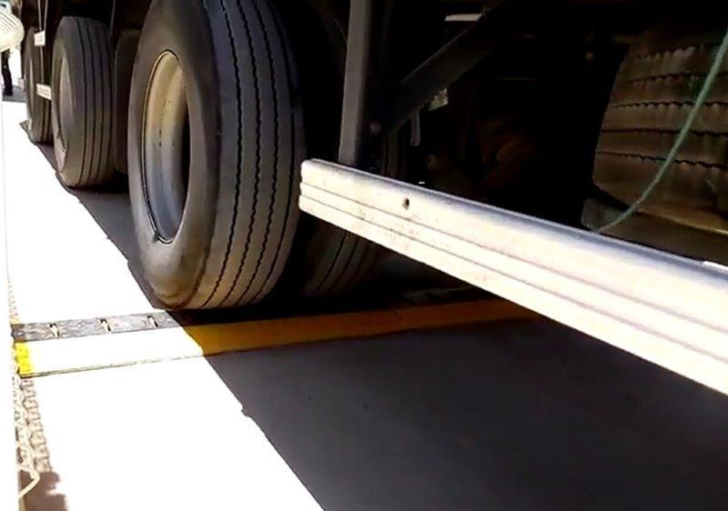 Dilacerador de pneus garra de tigre